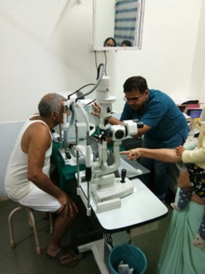A telemedicine system set up by Dr Agrawal in Hemalkasa, Gadchiroli for acquiring retinal images and transmitting it through the cloud to higher centre for remote diagnosis and management